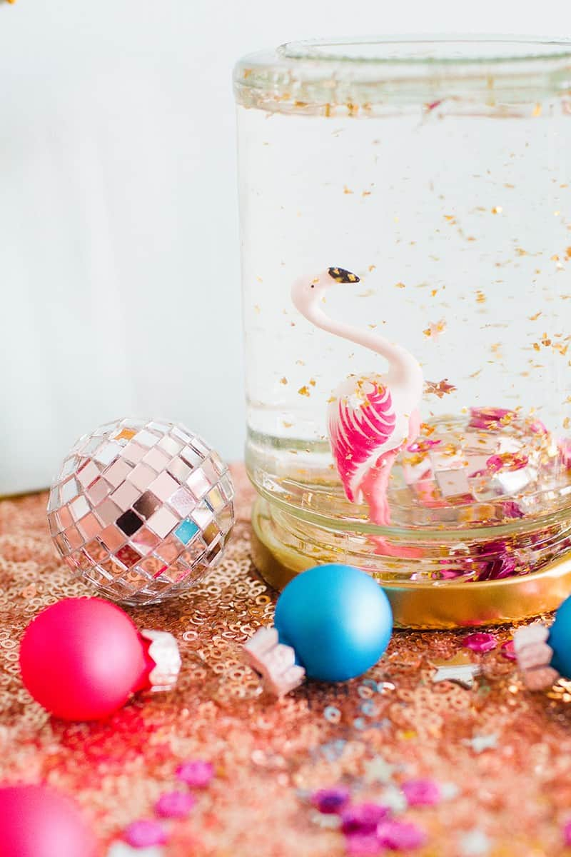 20-favourite-christmas-diys-flamingo-snowglobe