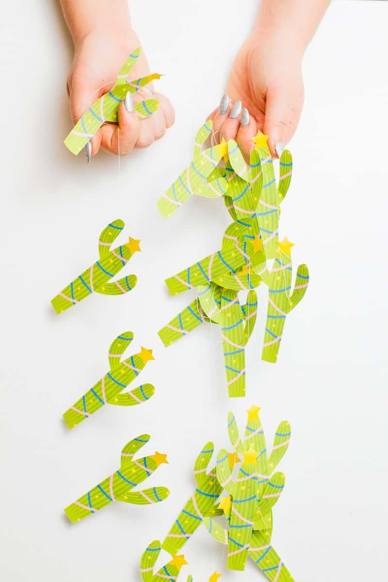 20-favourite-christmas-diys-free-printable-christmas-cactus-garland