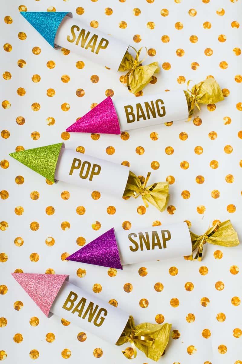 diy-confetti-rockets-wedding-tutorial-moddern-colourful-glitter_-11