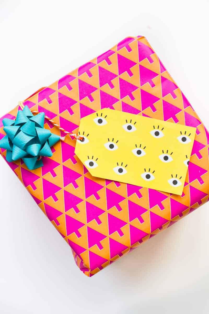 free-printable-eye-gift-tags-print-christmas-gift-wrap-colourful-fun-download-8