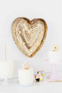 60+-VALENTINES-DAY-DIY'S-FOR-YOUR-GAL-PALS-SEQUIN-MARQUEE-HEART