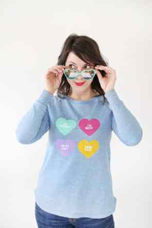 60+VALENTINES-DAY-GIFT-DIY'S-FOR-YOUR-GAL-PALS-ANTI-CONVERSATION-HEART-SWEATER