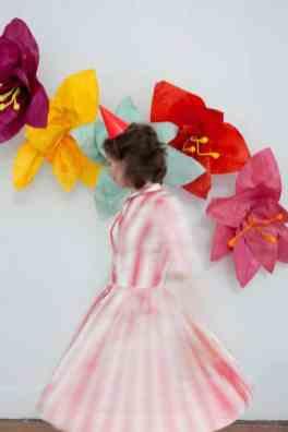 best-paper-flower-tutorials-for-your-wedding-giant-flower-photobooth-backdrop-bespoke-bride-wedding-blog