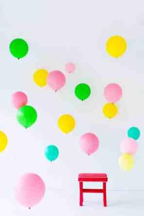 CREATIVE DIY WEDDING PARTY BACKDROPS-BALLOON BACKDROP