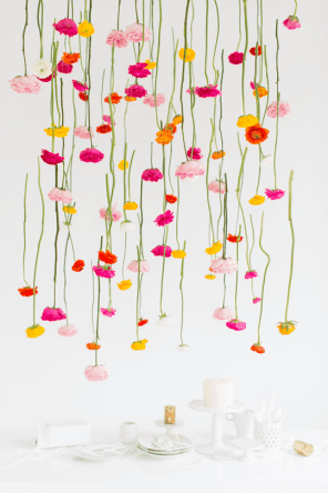 CREATIVE DIY WEDDING PARTY BACKDROPS - HANGING FLOWER INSTALLATION