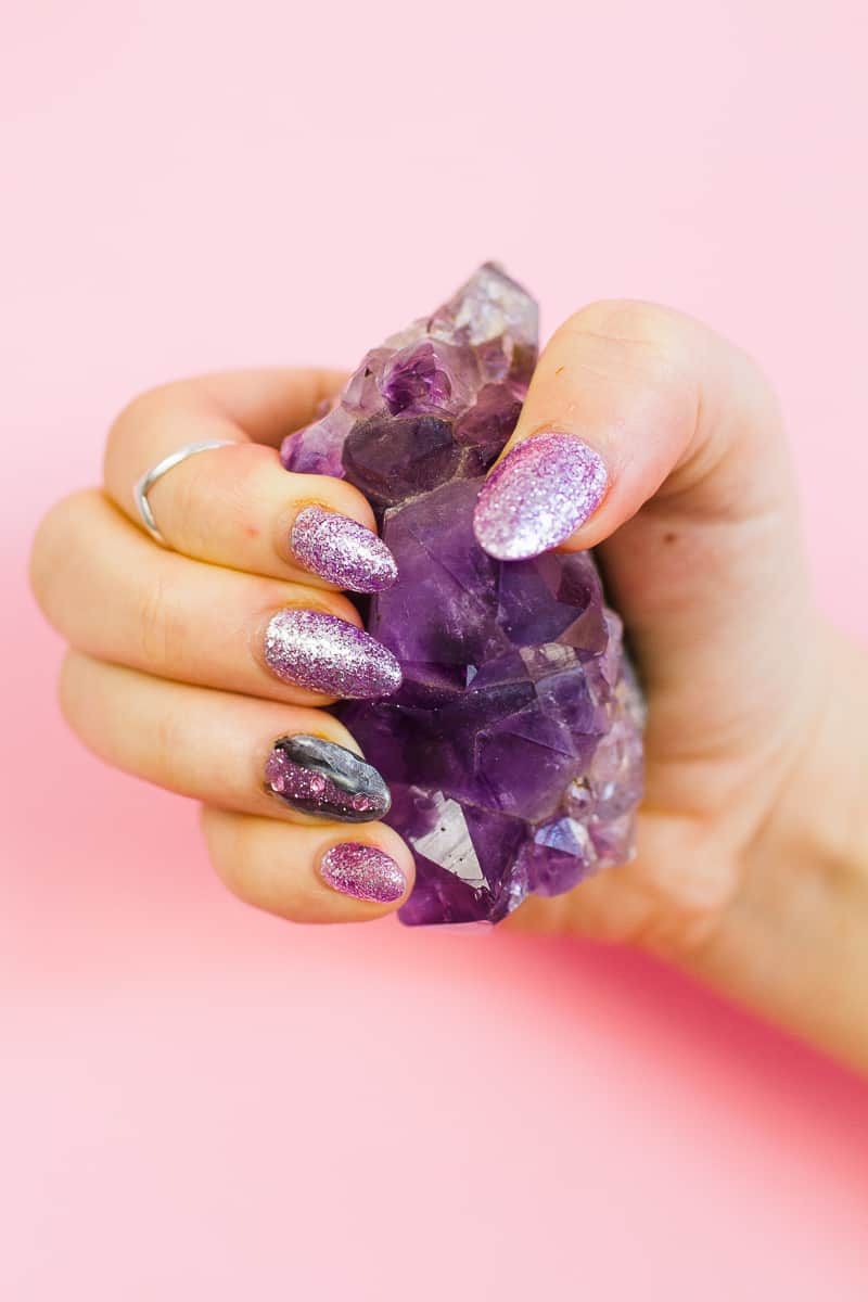 diy-geode-amethyst-nail-tutorial-diy-purple-crystal-nail-manicure-10