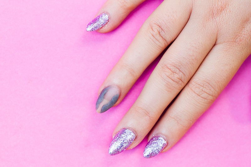 diy-geode-amethyst-nail-tutorial-diy-purple-crystal-nail-manicure-2