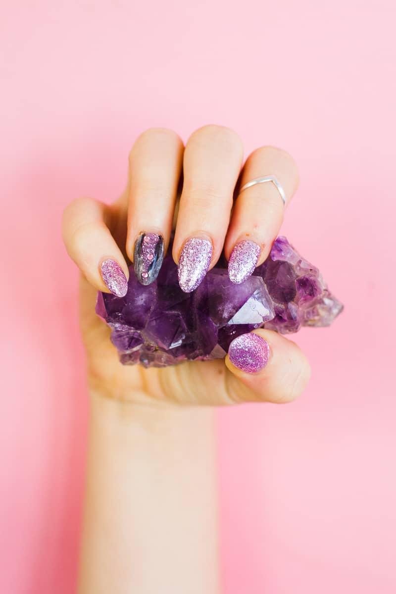diy-geode-amethyst-nail-tutorial-diy-purple-crystal-nail-manicure-7