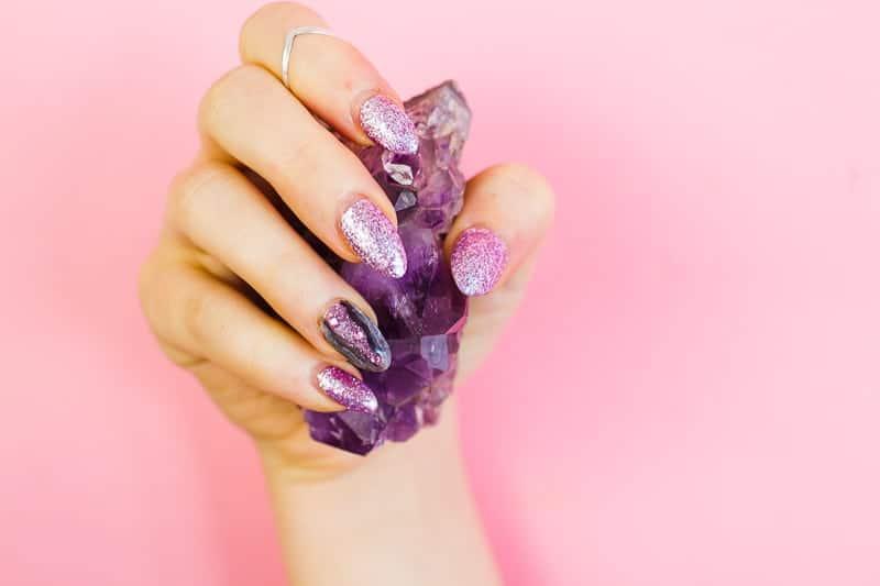 diy-geode-amethyst-nail-tutorial-diy-purple-crystal-nail-manicure-9