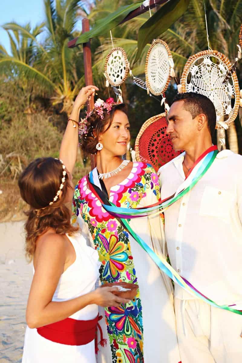 MYSTICAL VIBRANT WEDDING IDEAS IN SAYLUTIA MEXICO (21)