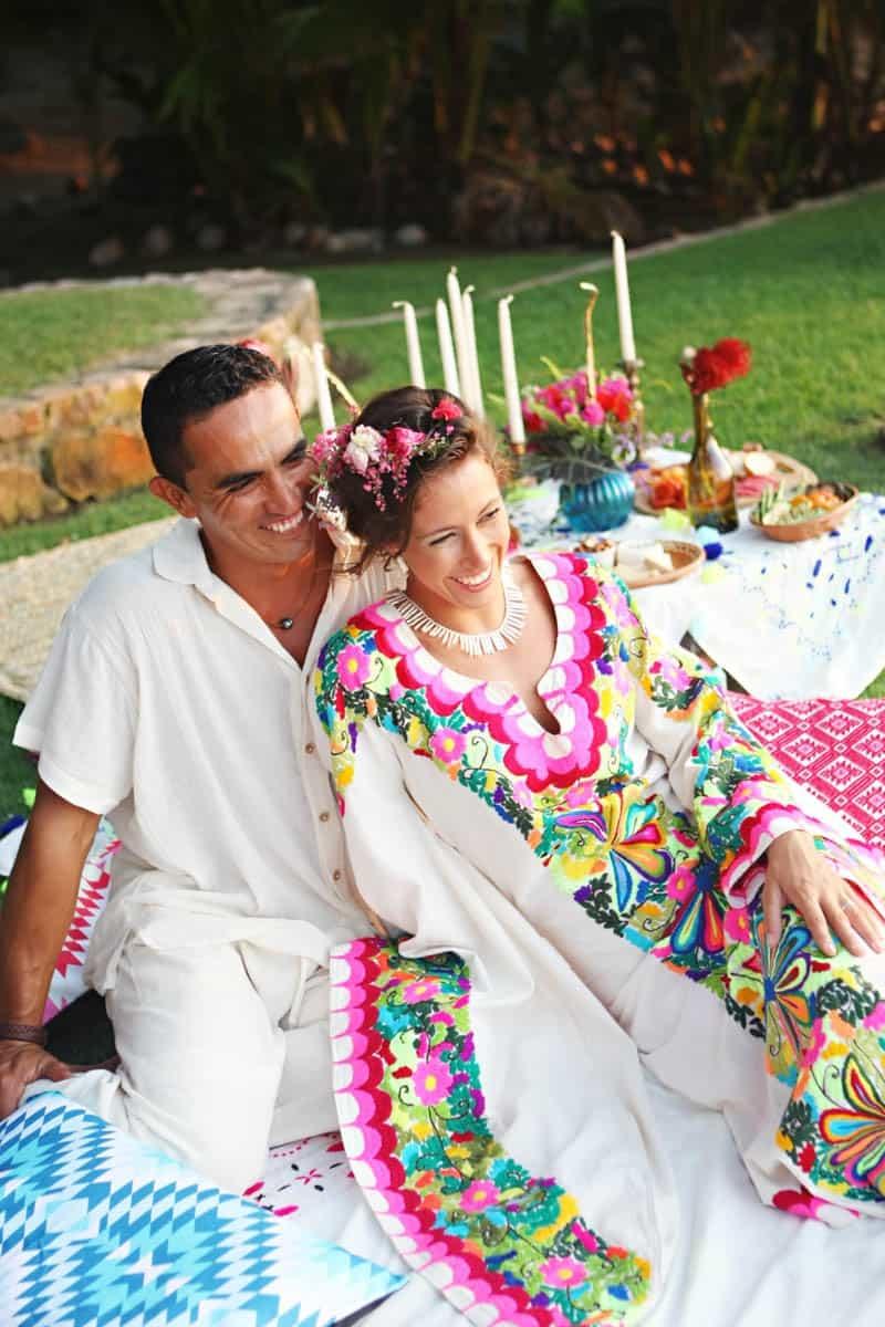 MYSTICAL VIBRANT WEDDING IDEAS IN SAYLUTIA MEXICO (31)