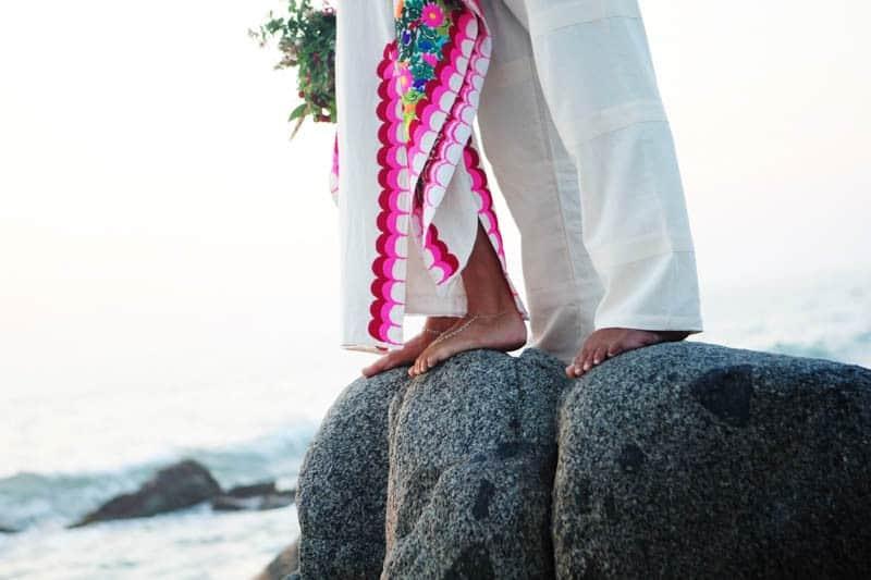 MYSTICAL VIBRANT WEDDING IDEAS IN SAYLUTIA MEXICO (33)