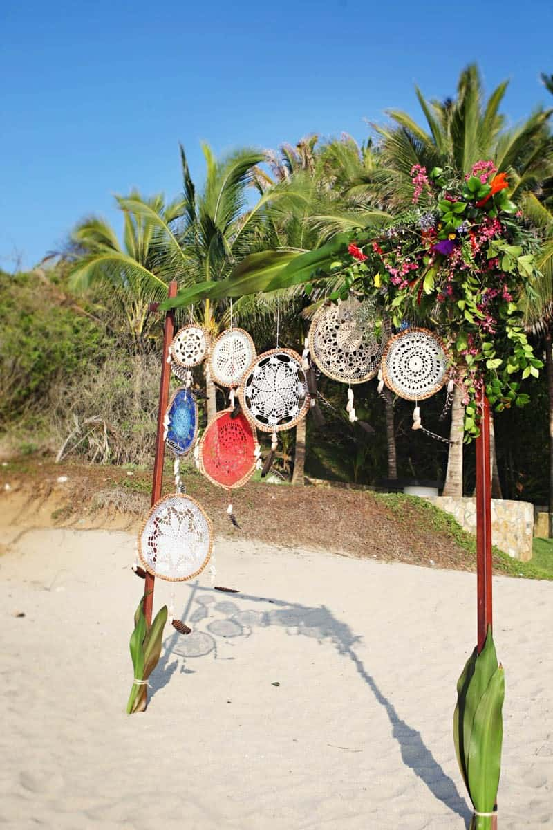 MYSTICAL VIBRANT WEDDING IDEAS IN SAYLUTIA MEXICO (4)