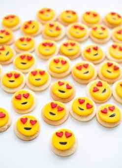 8-mini-heart-emoji-cookies