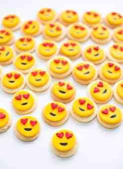 8-mini-heart-emoji-cookies