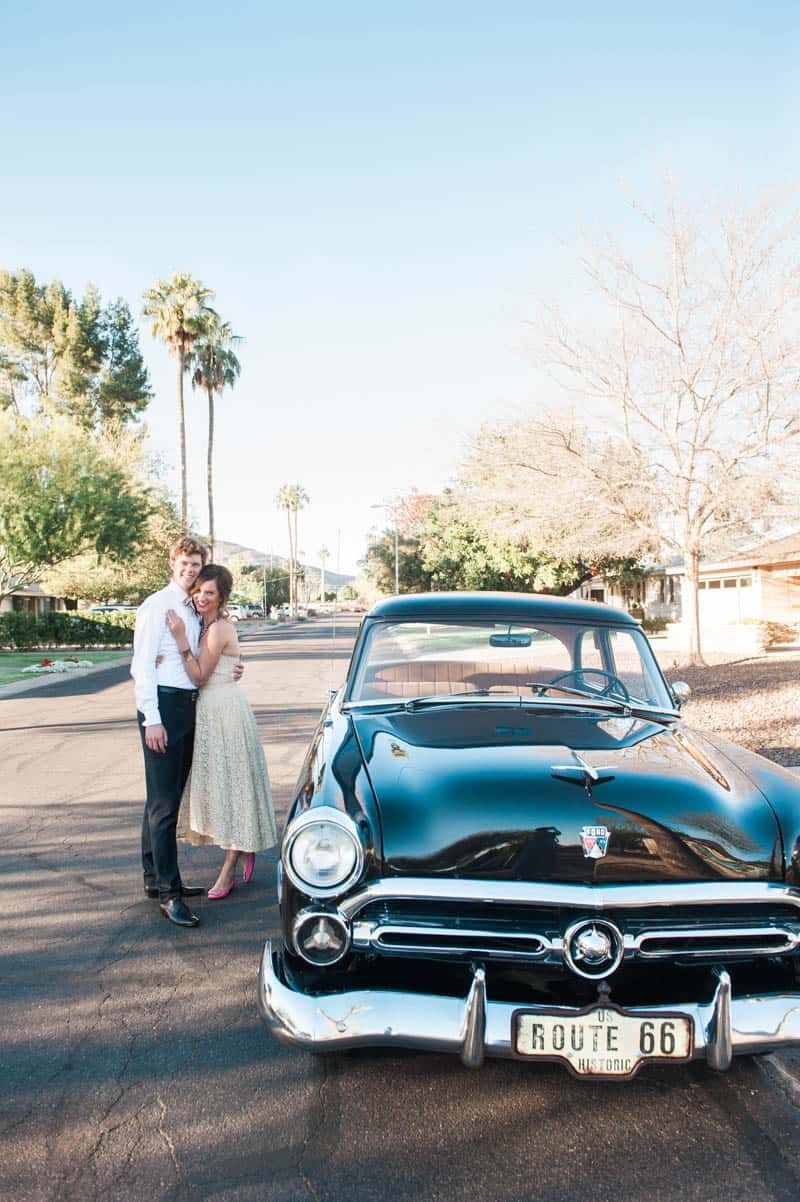 INSPIRED WEDDING IDEAS FOR A RETRO POOLSIDE ELOPEMENT (19)