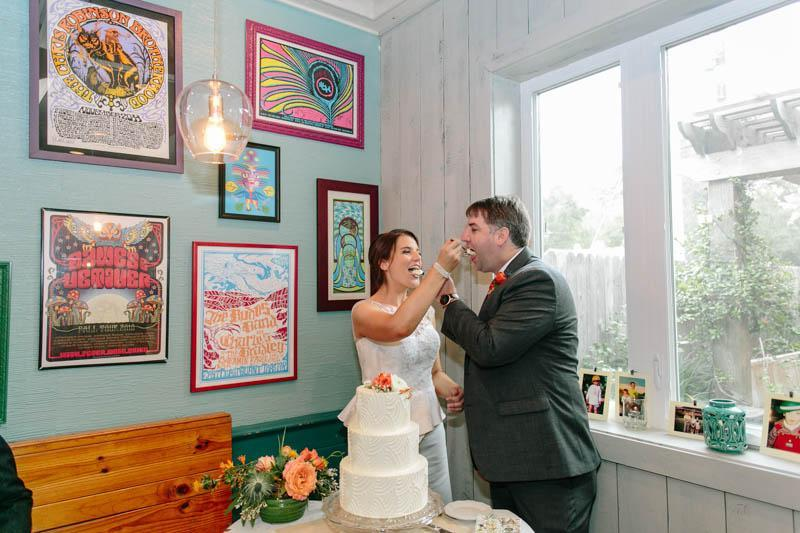 INTIMATE WEDDING IN THE COLORFUL CHARLESTON POUR HOUSE TAVERN (26)