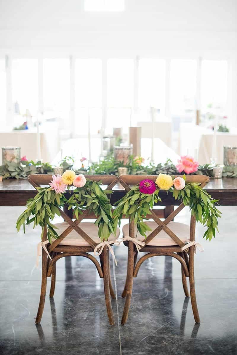 STYLISH FLORAL & FOLIAGE MERRIMON WYNNE HOUSE WEDDING (17)