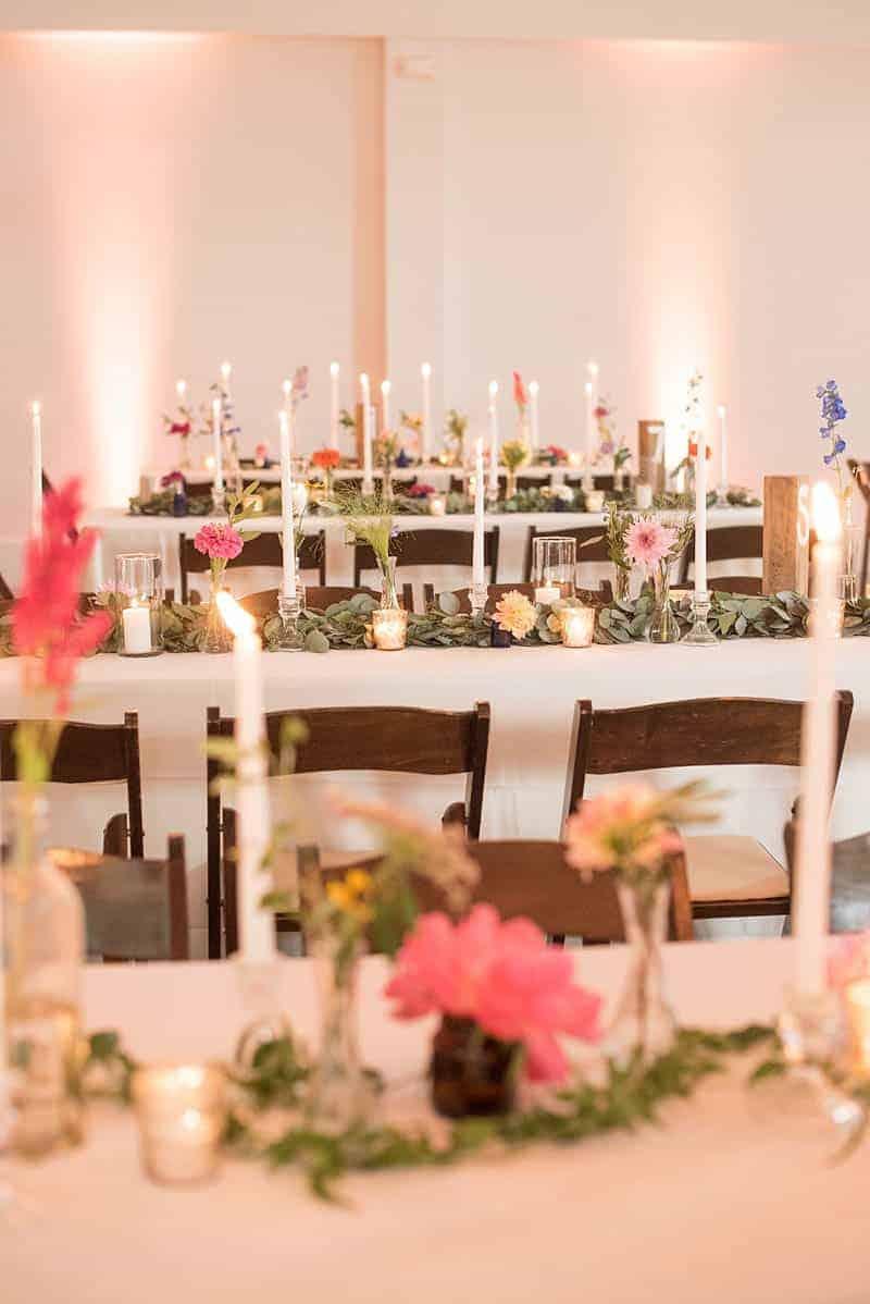 STYLISH FLORAL & FOLIAGE MERRIMON WYNNE HOUSE WEDDING (23)