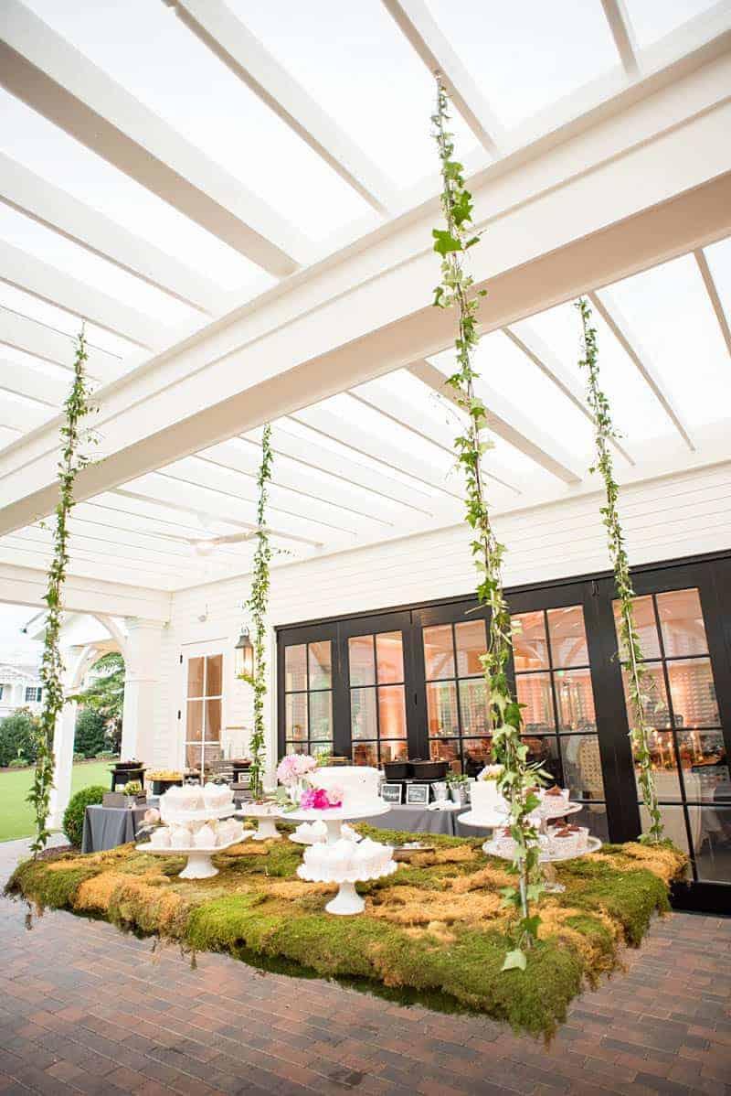 STYLISH FLORAL & FOLIAGE MERRIMON WYNNE HOUSE WEDDING (25)