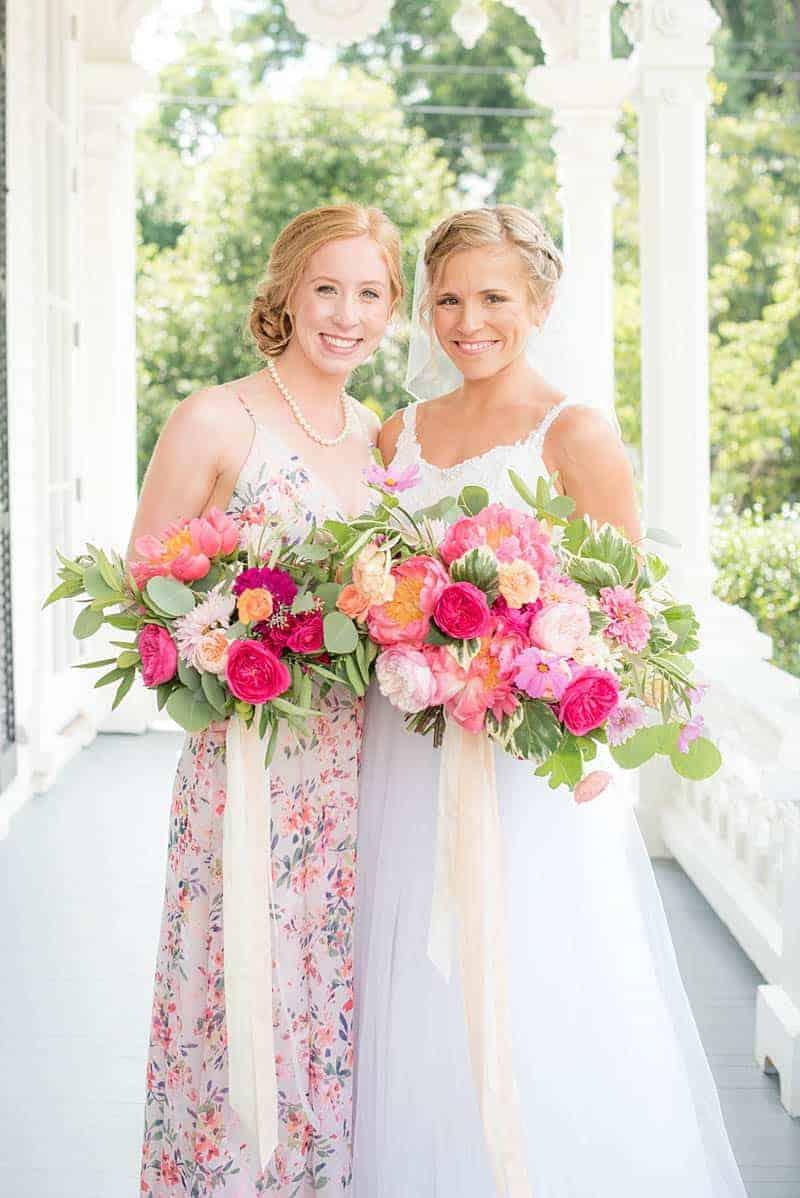 STYLISH FLORAL & FOLIAGE MERRIMON WYNNE HOUSE WEDDING (9)