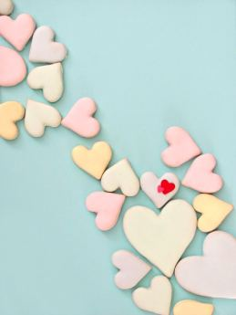 Valentines-Sugar-Cookies-with-Poured-Royal-Icing-Bakers-Royale1