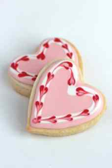 marbled-valentine-decorated-cookies-590x885