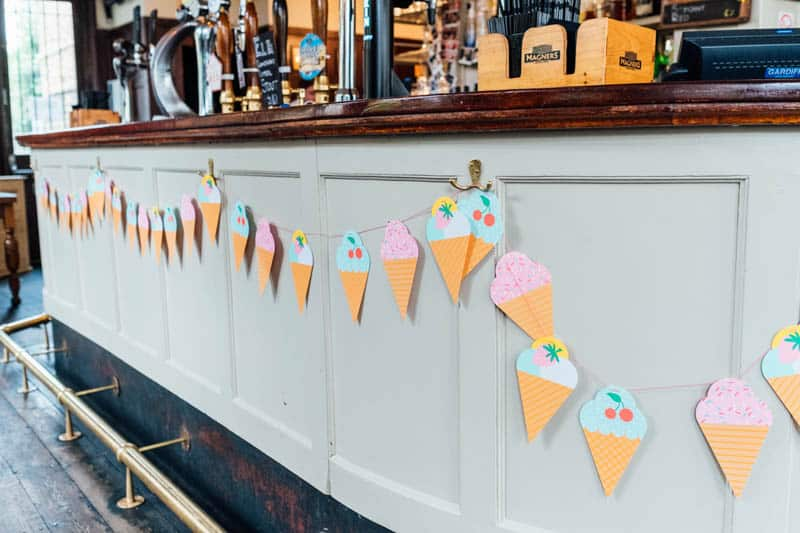 relaxed-neon-rave-wedding-in-Camden-London (5)