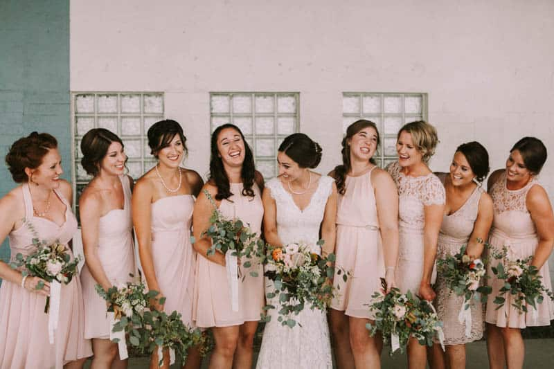 A PERSONALIZED & RUSTIC WEDDING IN A DOWNTOWN PHOENIX ART GALLERY (2)