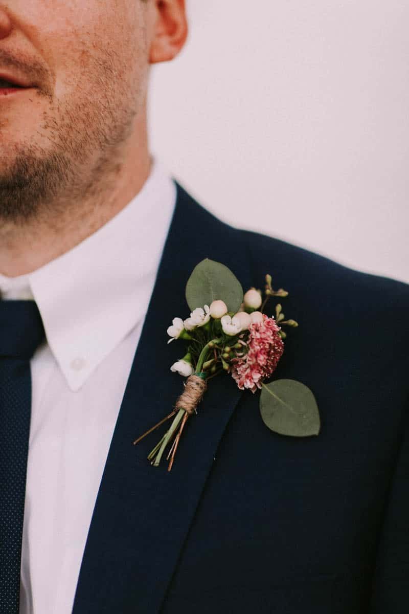 A PERSONALIZED & RUSTIC WEDDING IN A DOWNTOWN PHOENIX ART GALLERY (21)