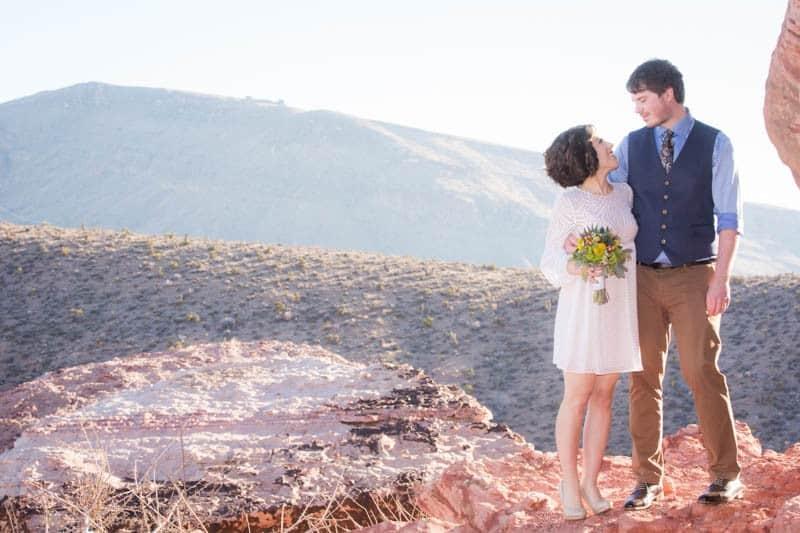 INTIMATE-DESERT-WEDDING-AT-RED-ROCK-CANYON-LAS-VEGAS (15)