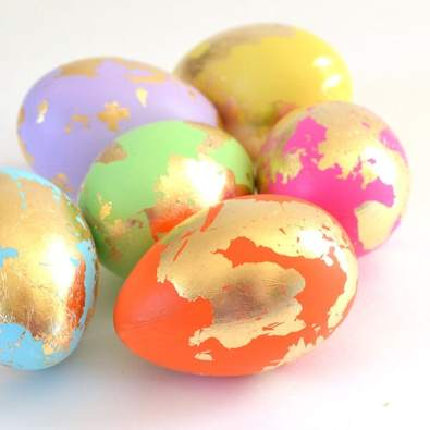 ABSTRACT GOLD LEAF EASTER EGG DIY - DREAM A LITTLE BIGGER