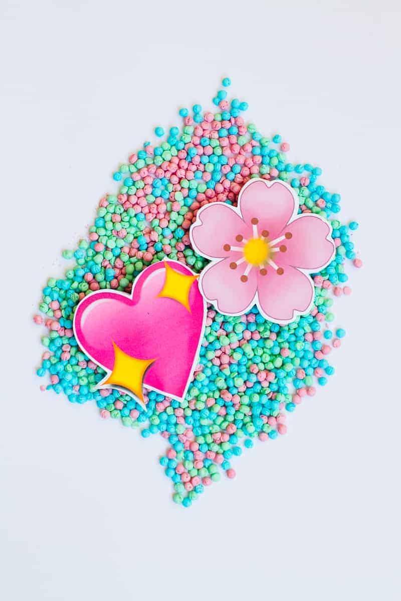 Emoji Favour Bags Pouches Candy Confetti Sweets Fun Unique Favour Ideas Printable Free Download-18