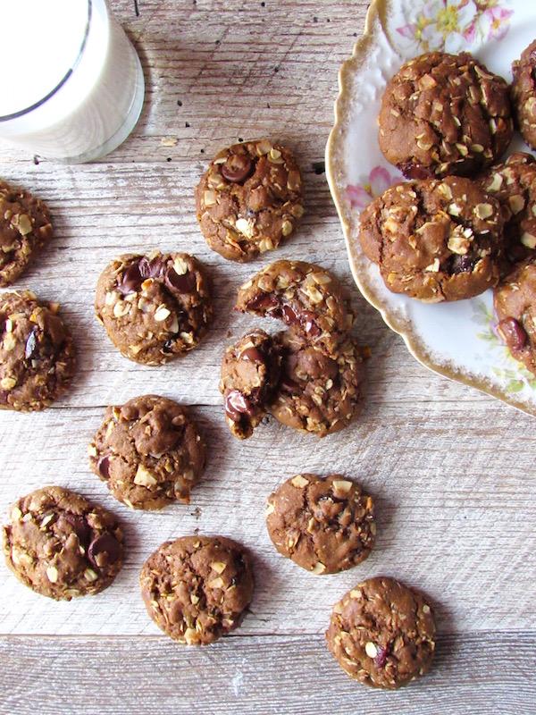 oatmeal chocolate chip cookies overhead
