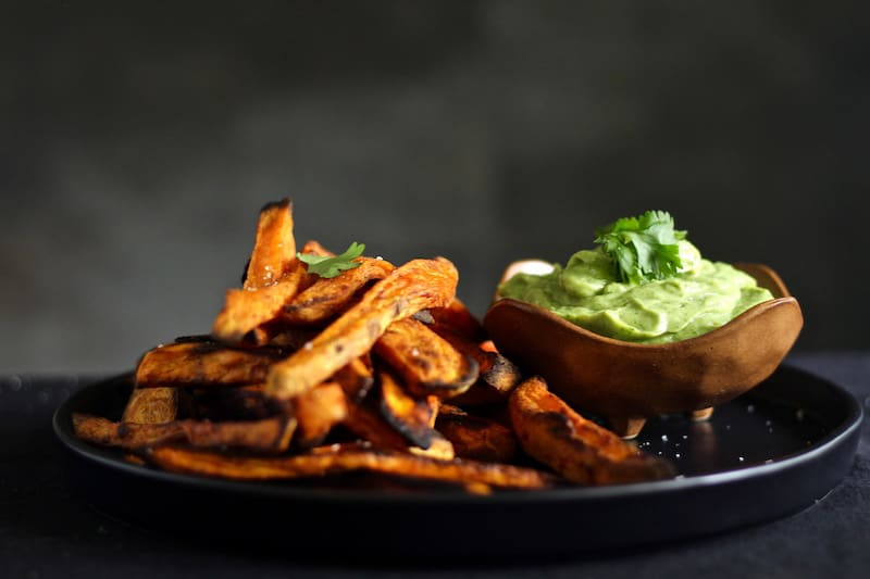 SMOKY & SPICY BAKED SWEET POTATO FRIES | AVOCADO, CILANTRO & LIME DIPPING SAUCE