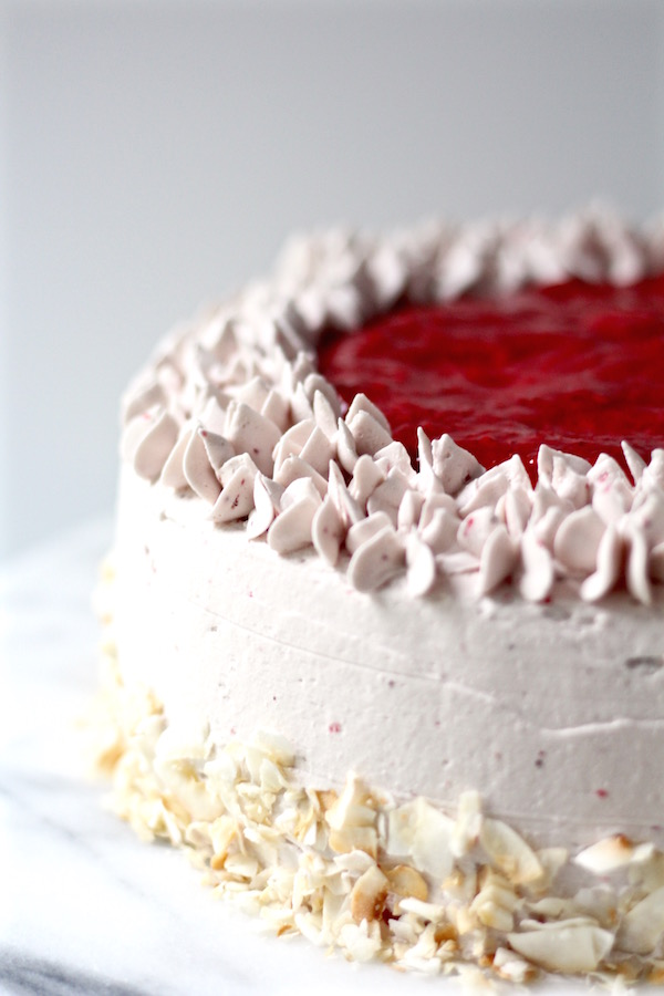 strawberry cake with strawberry sauce 1