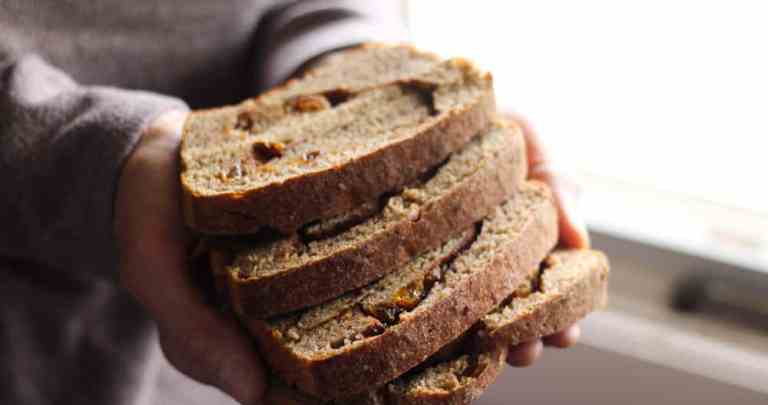 NO KNEAD SOURDOUGH CINNAMON RAISIN BREAD RECIPE