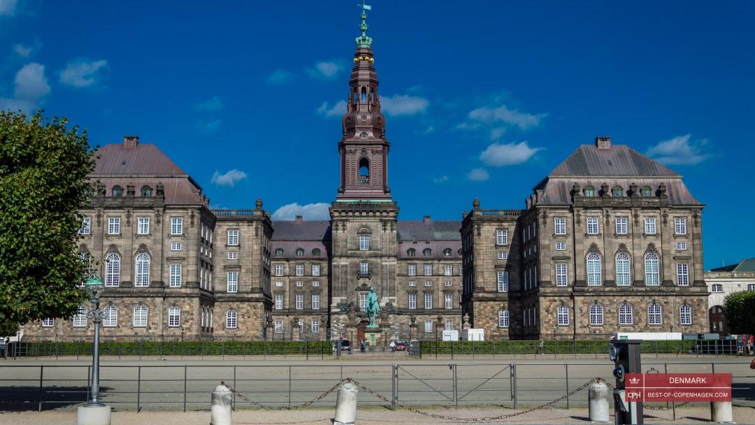 Znalezione obrazy dla zapytania Christiansborg
