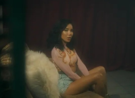 VIDEO: Jhené Aiko - Tryna Smoke
