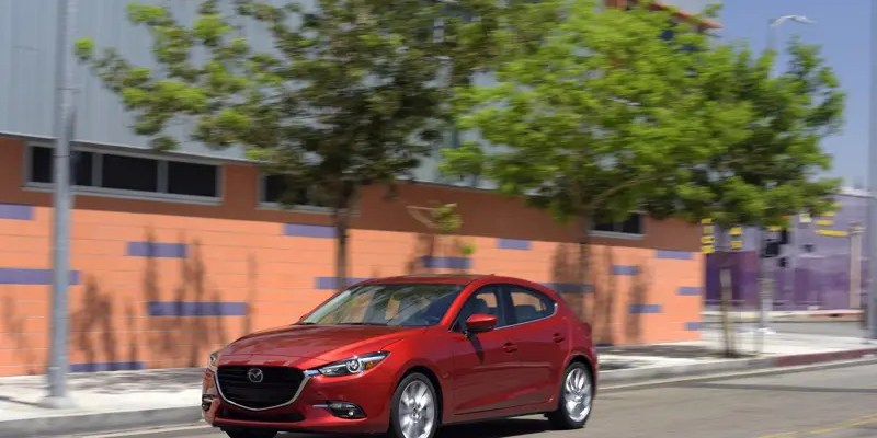 Checking out the 2017 Mazda3 5-Door Grand Touring