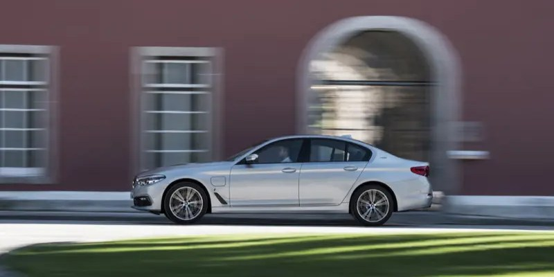 2018 BMW 530e: Sporty, Luxurious, Hybrid