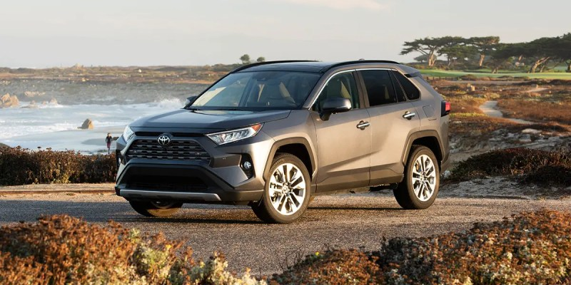 2019 Toyota RAV4. Safe Bet!