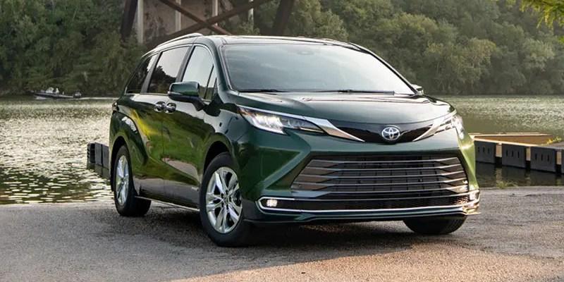 2021 Toyota Sienna Limited: Maximum Minivan