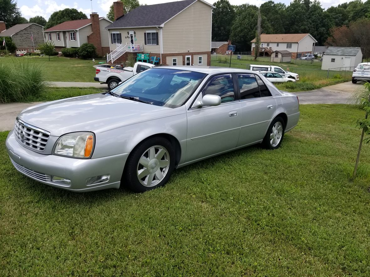 hight resolution of used cadillac dts 2003 72720355 1 l