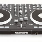 Mixtrack Pro DJ Controller platters