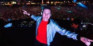 DJ Tiesto Performing