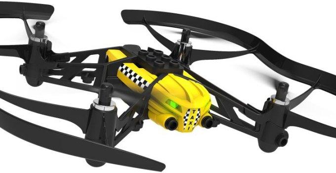Parrot Airborne Cargo giallo con adesivi taxi