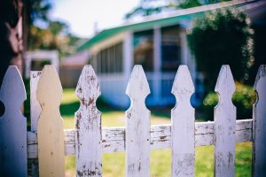 a white wood fence in san antonio
