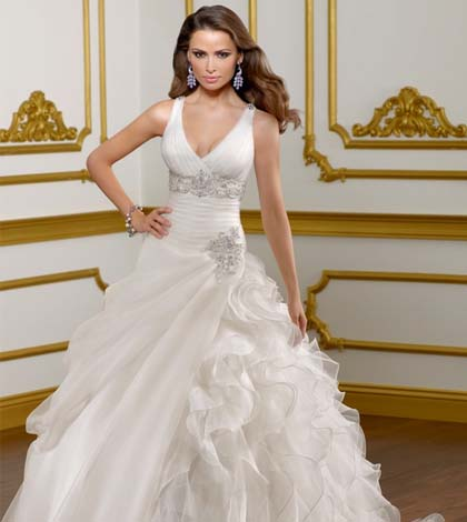 Save Money by Renting a Beautiful Wedding Dress