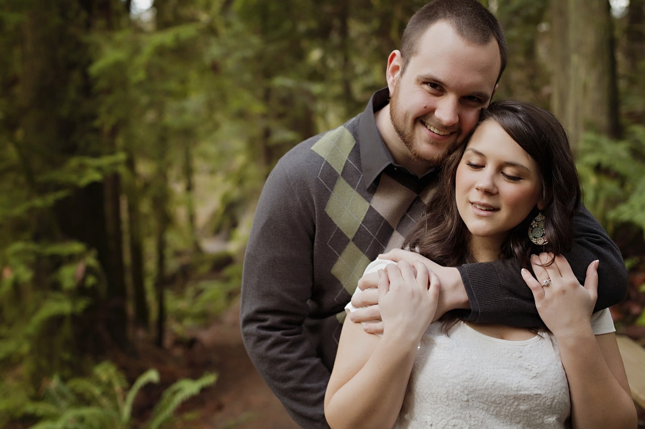 Why You Need An Engagement Photos And 9 Quick Tips To Nail